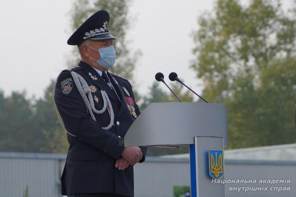 «Усвідомлюючи свою високу відповідальність, урочисто присягаю вірно служити Українському народові…»