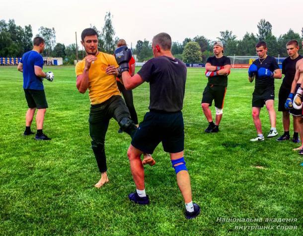 Відкрите тренування зі змішаного єдиноборства та кросфіту