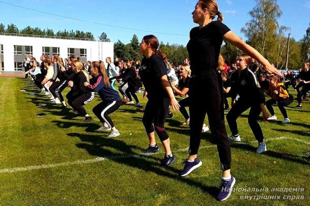 Фітнес-марафон для дівчат Національної академії внутрішніх справ